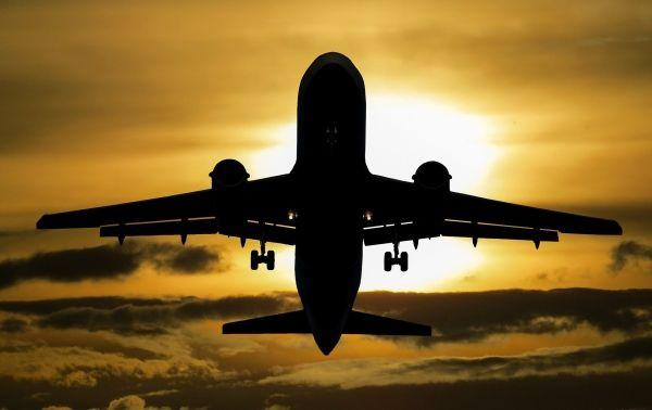 Les avions pourraient réduire les émissions en surfant mieux sur le vent